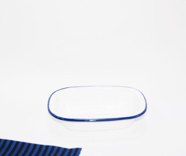 Fuente rectangular blanca