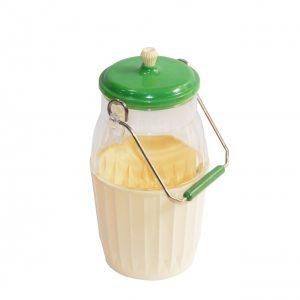 Antigua lechera de plástico