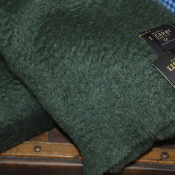 Ezcaray manta mohair verde oliva
