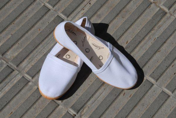 Camping zapatillas blancas