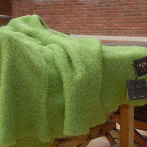 Ezcaray manta mohair verde