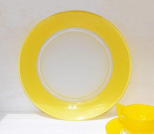 Plato llano Duralex amarillo